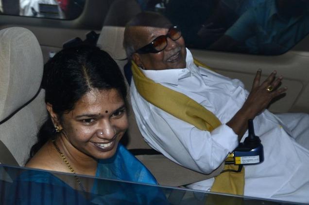 Karunanidhi receives Kanimozhi